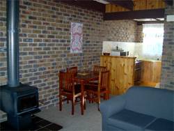 Warrawee Holiday Units - Accommodation Redcliffe