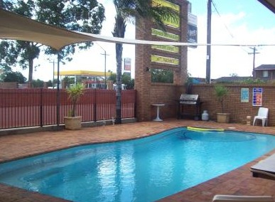 Town And Country Motor Inn Cobar - Accommodation Redcliffe