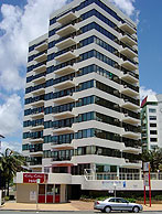 Beachfront Towers - Accommodation Redcliffe