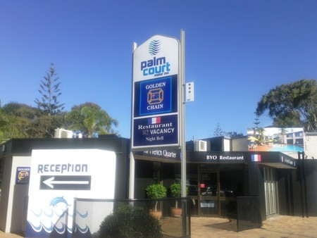 Palm Court Motor Inn - Accommodation Redcliffe