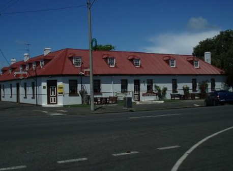 Caledonian Inn Hotel Motel - Accommodation Redcliffe