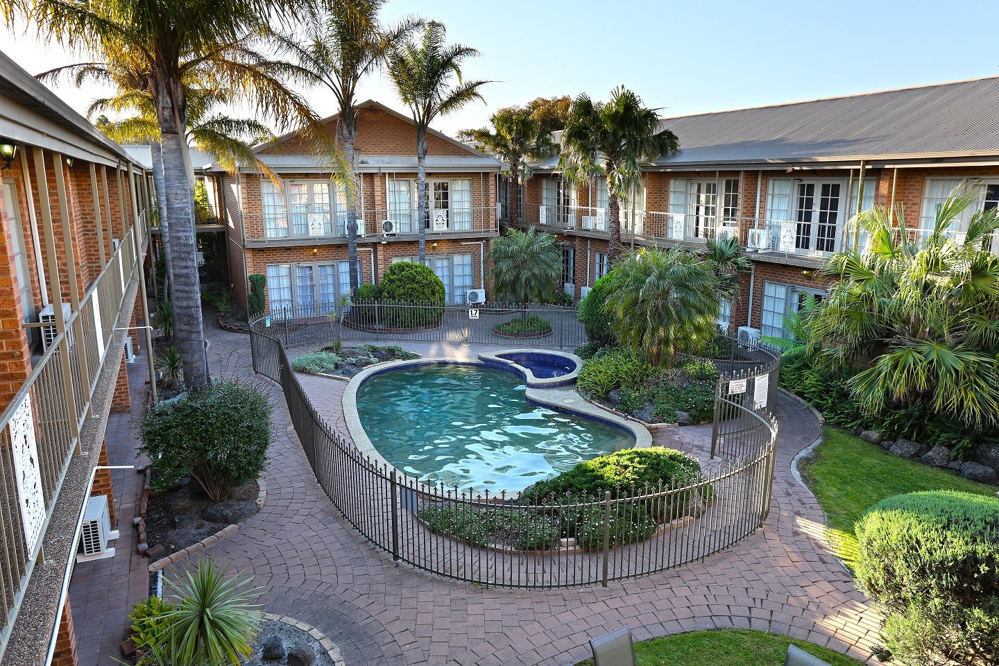 Quality Hotel Melbourne Airport - Accommodation Redcliffe