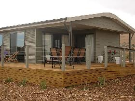 The Bird Hide - Accommodation Redcliffe