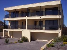 The Lighthouse Accommodation - Accommodation Redcliffe