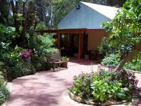 Rainforest Retreat - Accommodation Redcliffe