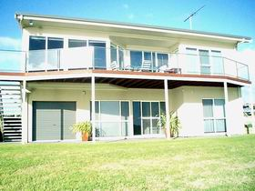 Swanport Views Holiday Home - Accommodation Redcliffe