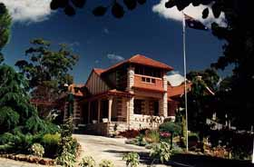 Marble Lodge - Accommodation Redcliffe