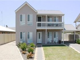 Rocks Retreat Holiday House - Accommodation Redcliffe