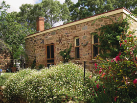 The Heritage Garden - Accommodation Redcliffe