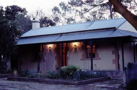 Walnut Cottage - Accommodation Redcliffe