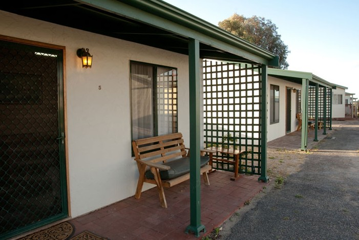 Moonta Bay Road Cabins and Cottages - Accommodation Redcliffe