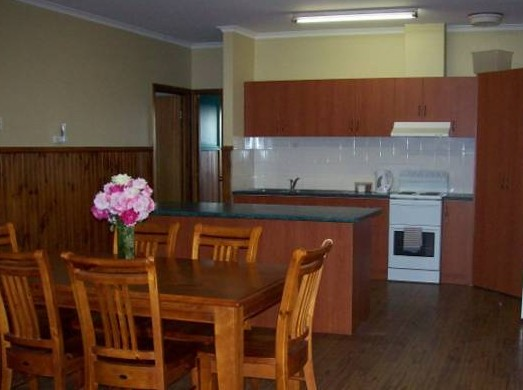 Riverland Holiday Cottage - Accommodation Redcliffe