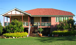 Mango Paradise Bed and Barra - Accommodation Redcliffe