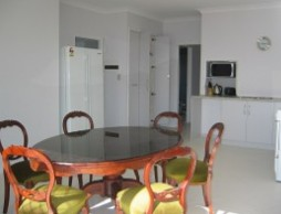 Olas Holiday House - Accommodation Redcliffe