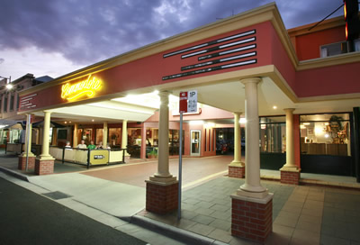 The Commodore Motor Inn - Accommodation Redcliffe
