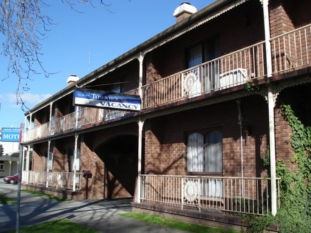 Albury Townhouse - Accommodation Redcliffe