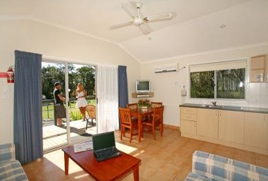 Samurai Beach Resort - Accommodation Redcliffe