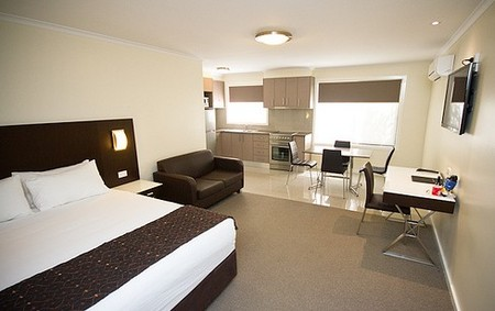 Country Comfort Premier Motel - Accommodation Redcliffe