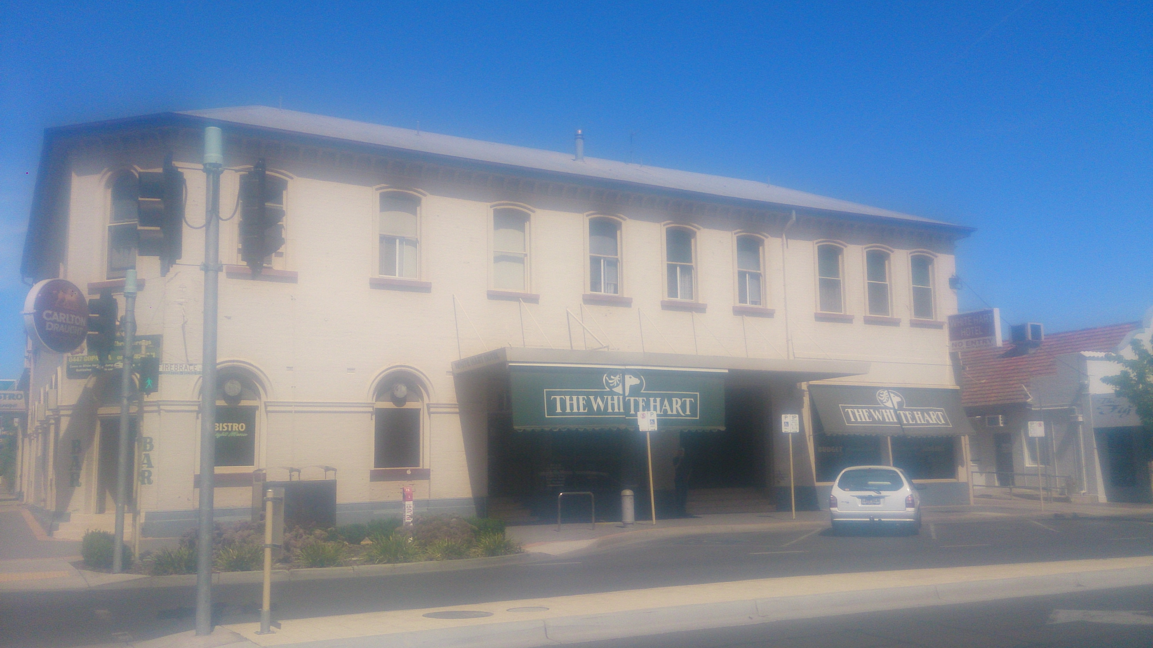 White Hart Hotel - Accommodation Redcliffe