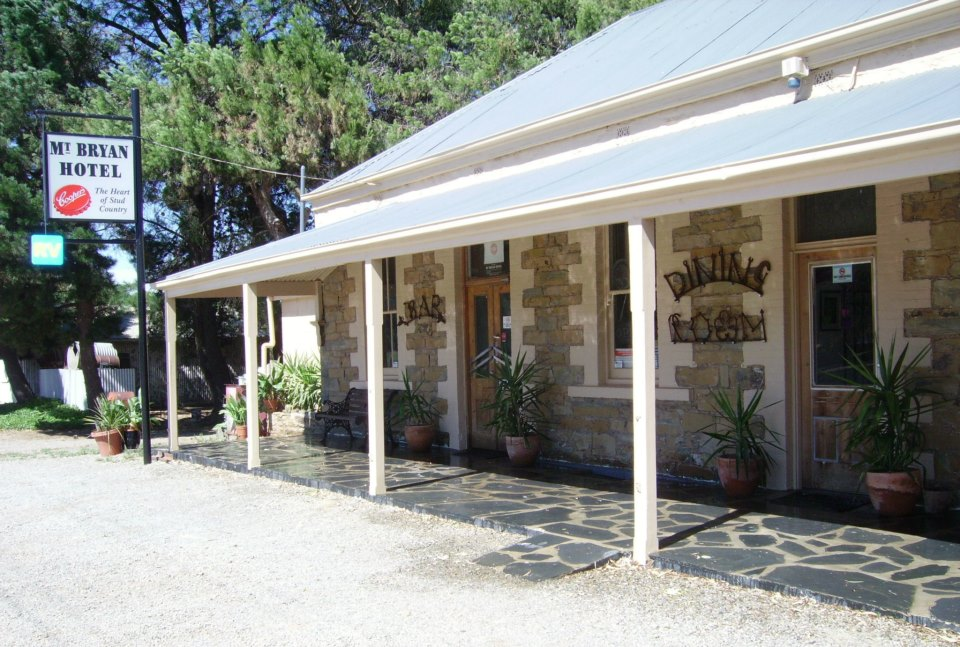 Mount Bryan Hotel - Accommodation Redcliffe
