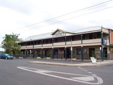 Crown Hotel Motel - Accommodation Redcliffe