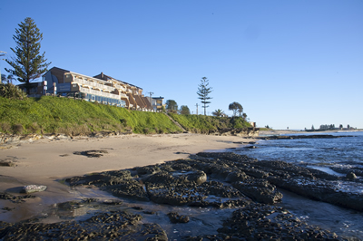 Oceanfront Motel - Accommodation Redcliffe