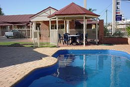 Roma Mid Town Motor Inn - Accommodation Redcliffe