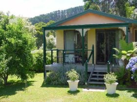 Ripplebrook Cottage - Accommodation Redcliffe