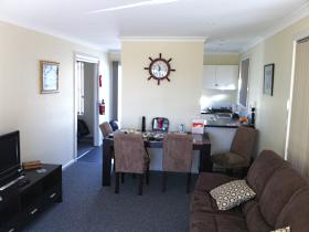 North East Apartments - Accommodation Redcliffe