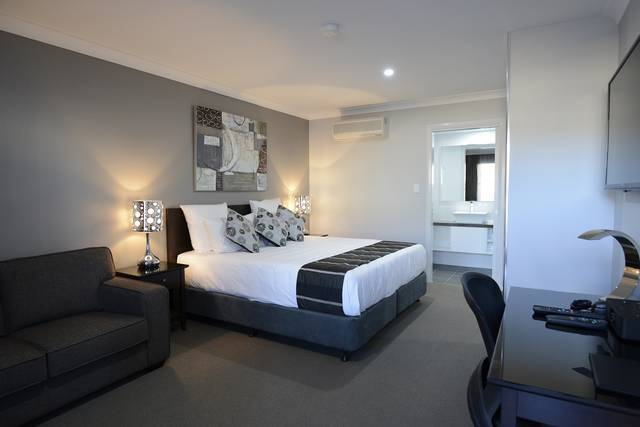 Aastro Dish Motor Inn - Accommodation Redcliffe