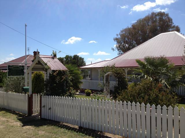 Tenterfield Luxury Historic c1895 Cottage - Accommodation Redcliffe