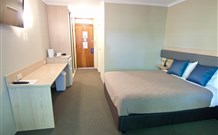 Lakeview Hotel Motel - Oak Flats - Accommodation Redcliffe