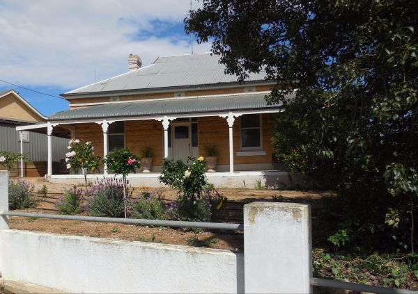 Book Keepers Cottage Waikerie - Accommodation Redcliffe