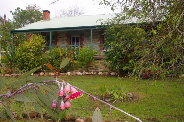 Naimanya Cottage - Accommodation Redcliffe