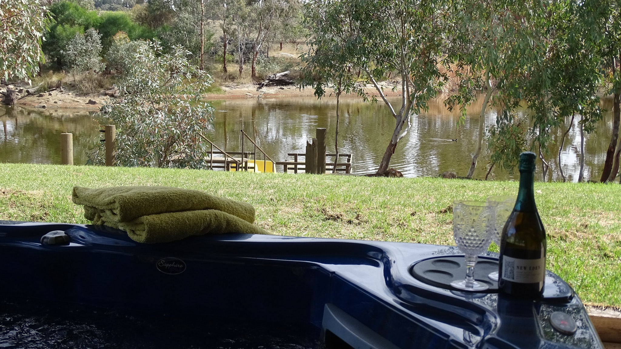 Jandas Lake View - Accommodation Redcliffe