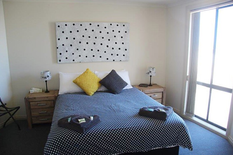 Cliff House Beachfront Villas - Accommodation Redcliffe