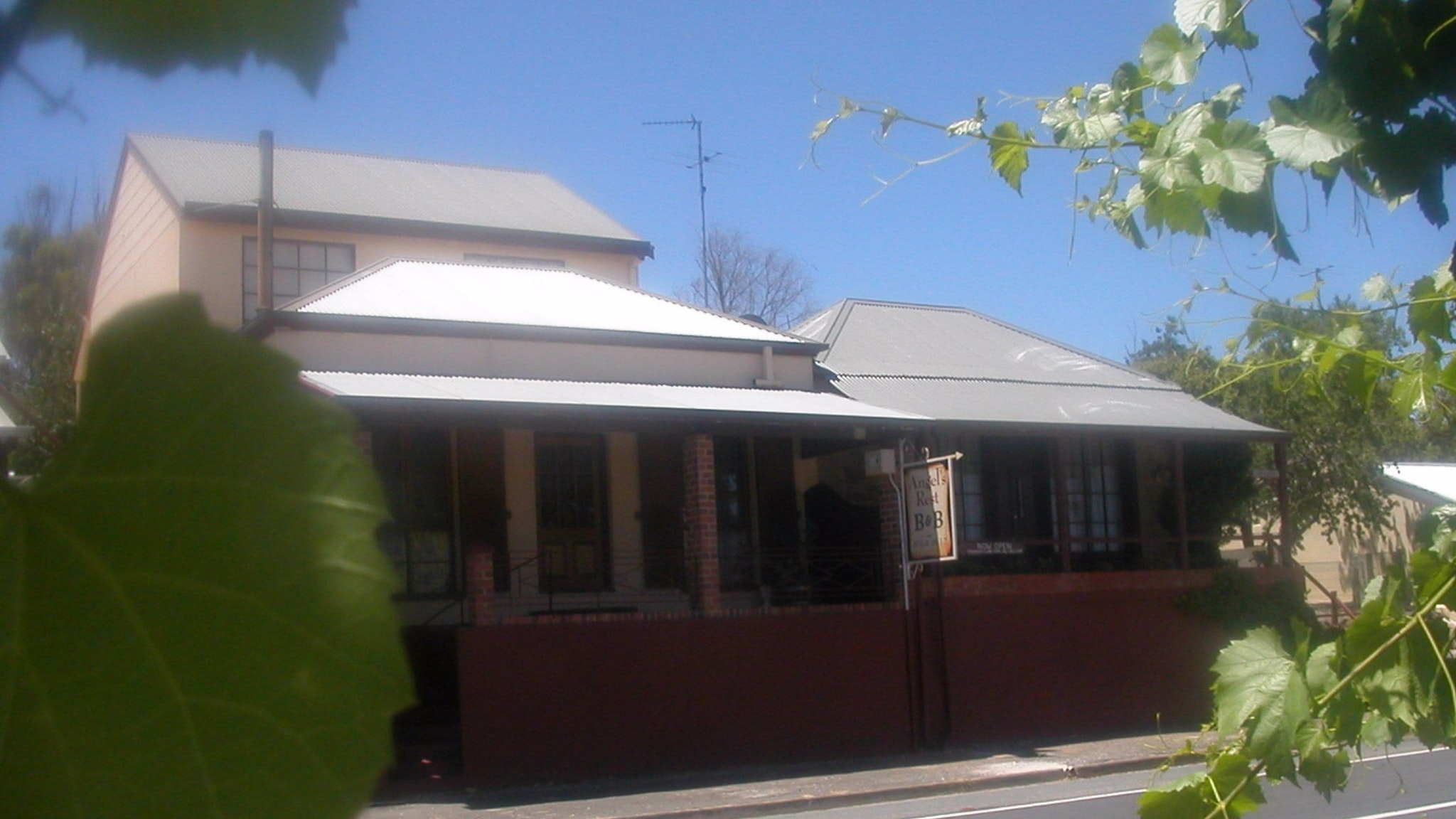 Angel's Rest Bed and Breakfast - Accommodation Redcliffe