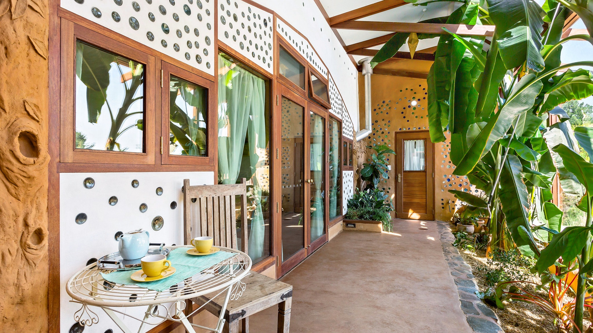 Earthship Ironbank - Accommodation Redcliffe