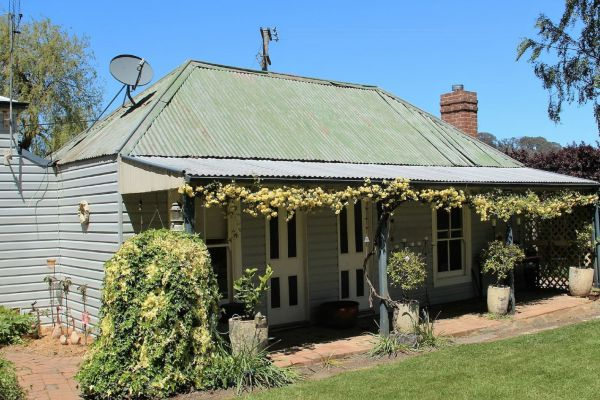Drayshed Cottage - Accommodation Redcliffe