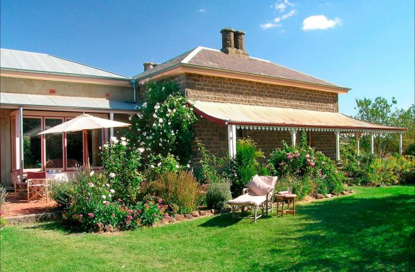 Lochinver Farm Homestead and Cottages - Accommodation Redcliffe