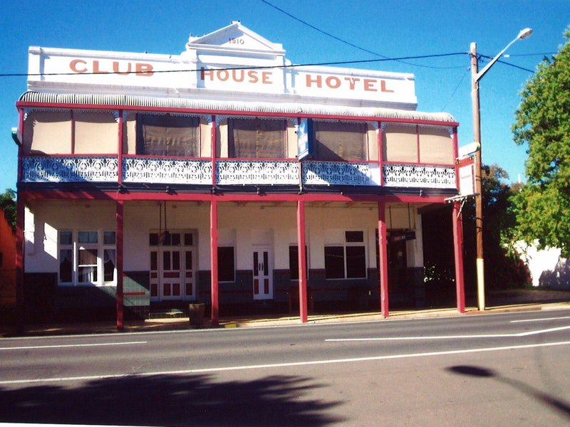 Club House Hotel - Accommodation Redcliffe