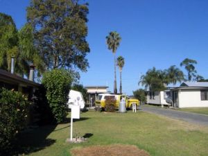 Browns Caravan Park - Accommodation Redcliffe