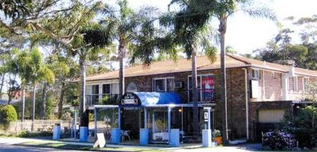 Palm Court Motel - Accommodation Redcliffe