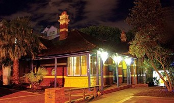 Coolibah Lodge - Accommodation Redcliffe