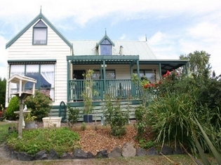 Alfay Cottage - Accommodation Redcliffe