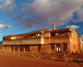 Big Bell Ghost Town - Accommodation Redcliffe