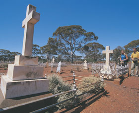 Coolgardie Cemetery - Accommodation Redcliffe