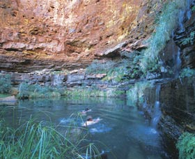 Dales Gorge and Circular Pool - Accommodation Redcliffe