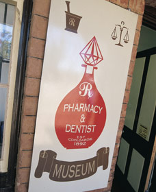 Pharmacy Museum - Accommodation Redcliffe