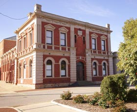 Northam Town Hall - Accommodation Redcliffe